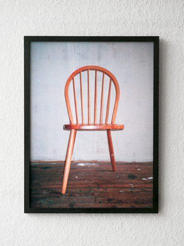 I love leggy chairs…